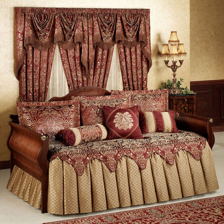 Palatial Daybed Set Ruby Daybed