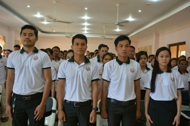 Hun Sen says defections to cut off foot of CNRP