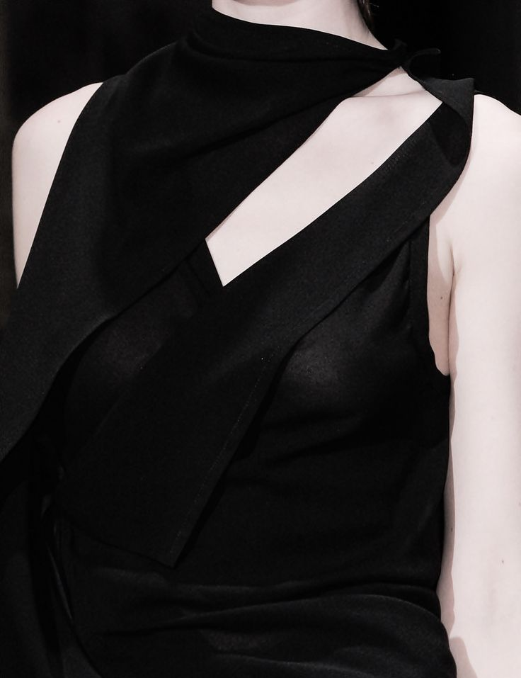 Asymmetric dress with graphic lines; all black fashion details // Ann Demeulemeester Fall 2014