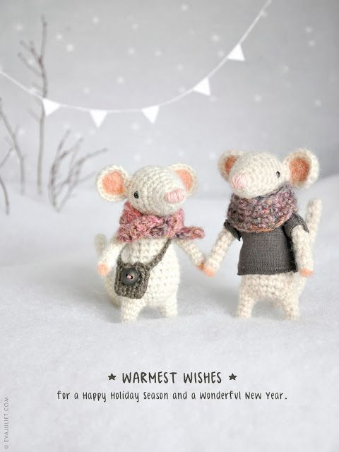 I need to make some beautiful little mice similar to these two. I love their outfits too.