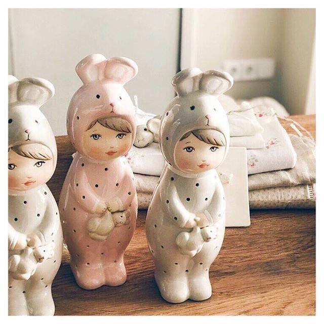 We look forward to the time to accompany the nights of our little friend! Shh ... Happy Dreams Esperamos con ilusión el momento de acompañar las noches de nuestro pequeño amiguito! Shh... Felices Sueños visit our shop www.patricialarrosa.com #babycrib #babynursery #babyroom #babyroomdesign #barnerom #barnerum #barnlampa #barnrum #cozy #deco #inspo #interiorstyling #kidsdecor #kidsinspo #kidspo #kidsroom #lamparasdenoche #maman #nattlampa #nattlys #newborn #nightlights #ночник #nursery…