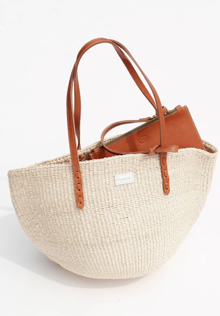 The Kenya Bag is uniquely handmade by a cooperative of African artisans. The purchase of each piece directly contributes to building sustainable businesses for women in Ghana, Kenya, Tanzania, and Uga
