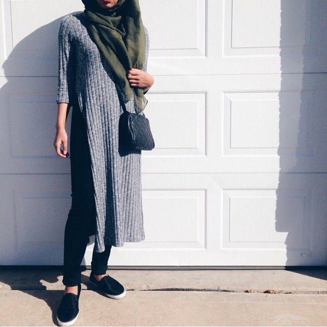 Pinterest: @eighthhorcruxx. Black jeans, grey long wool tunic and khaki hijab via instagram @hijabfashion