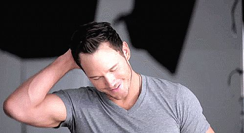 Pin for Later: 37 Times Chris Pratt Was Cooler and Sexier Than Any Character He Could Ever Play When He Flashed the Sexiest, Most Subtle of Smirks One of his best, really.