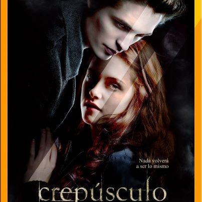 Crepusculo (Twilight) (2008)    Primera pelicula de la saga.    Ver Online, Pelicula completa, español y en tamaños; 240, 360, 480 & 720. Uds eligen como, quienes y cuando verla.  Disfrútenla...