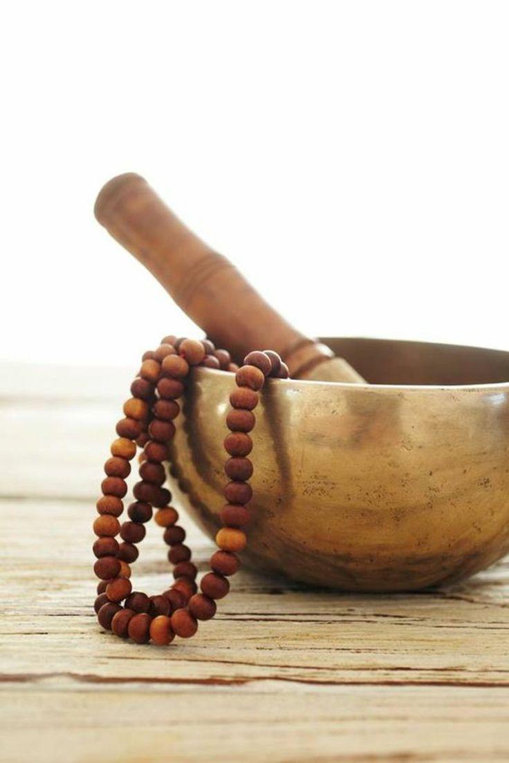 Tibetische Klangschale aus Bronze und Klöppel aus Holz