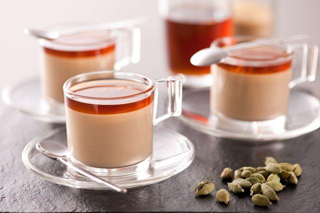 Kaffee-Panna-Cotta mit Kardamomsirup