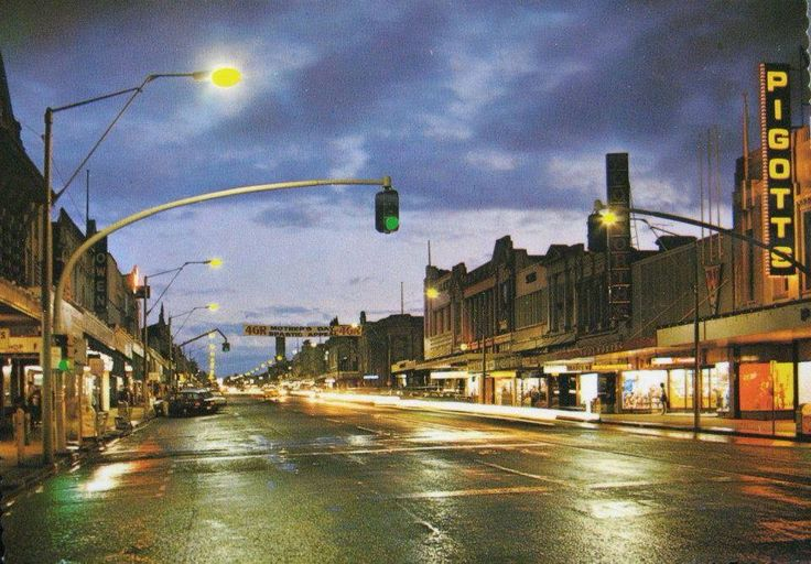 Ruthven St in the 70s - you can see a couple of icons here incl Pigotts on the right and Owens camera shop on the left