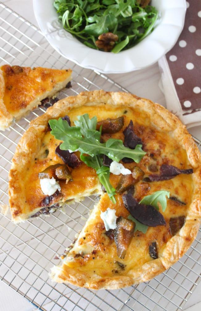 Biltong, gorgonzola and preserved fig tart. Crush 28