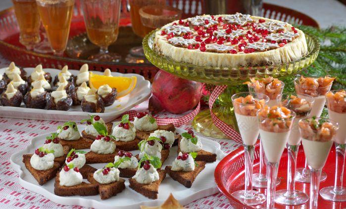 Samla vänner och familj och bjud på glögg med tilltugg! Vi frestar med frasiga grönkålspajer, festlig brietårta, pepparkakscheesecake och mycket mer. Allt går lätt att laga och gör