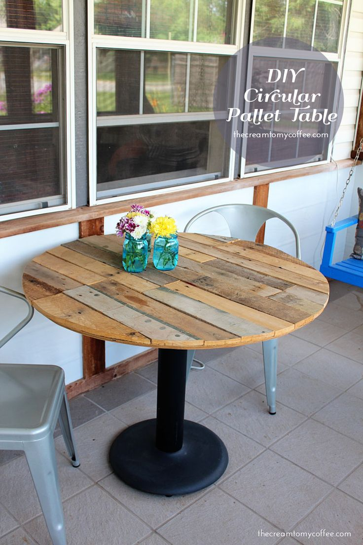 Diy Pallet Table   •  Free tutorial with pictures on how to make a table in 10 steps #howto #tutorial