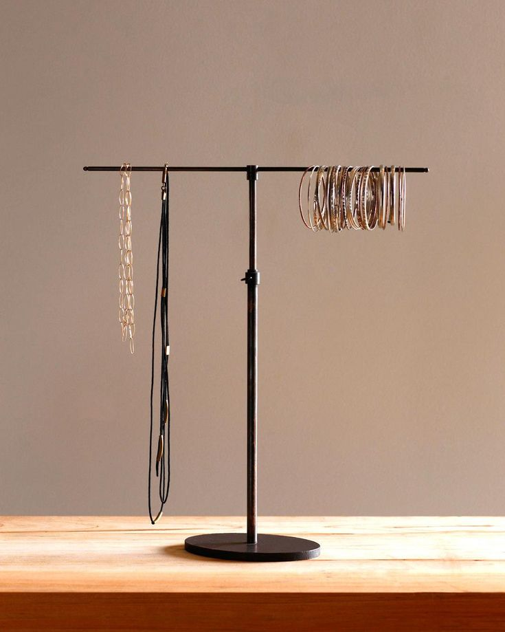 Holly Jewelry Stand | Lostine