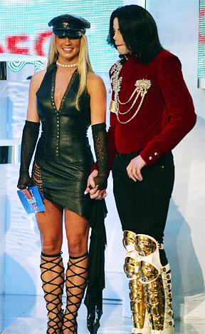 Britney Spears' Best and Worst VMA Looks: August 29, 2002