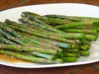 This chilled marinated asparagus recipe is the best summer side dish around. Serve grilled marinated asparagus at picnics and barbecues.