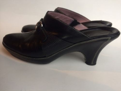23.38$  Watch now - http://viicz.justgood.pw/vig/item.php?t=dnfx4w24947 - COLE HAAN Women's Mules, Clogs, Black Leather Shoes - Size 8 B 23.38$