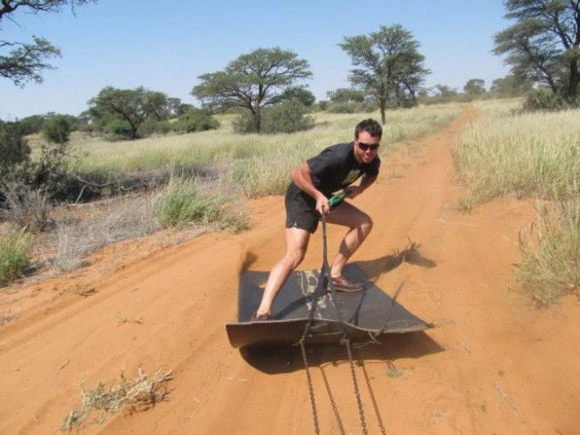 Thota Lodge Bakkie Skiing - Bakkie Skiing in the Northern Cape, South Africa