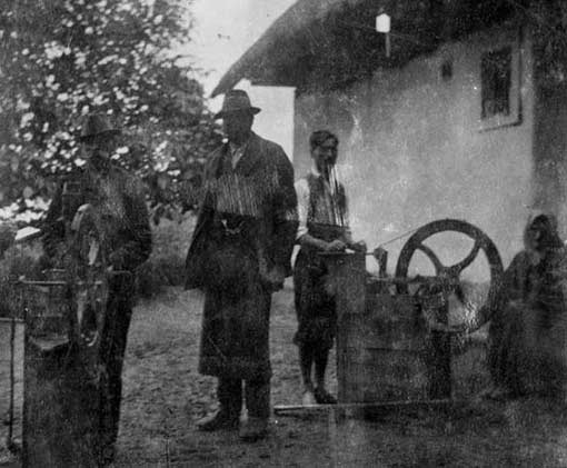 —Knife-grinder in the village Gritsch, Austria, Burgenland State museum (source: Scherenschleifer)