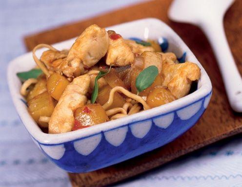 Chinesische Eiernudeln mit gepfefferter Hühnerbrust - Rezept - ichkoche.at