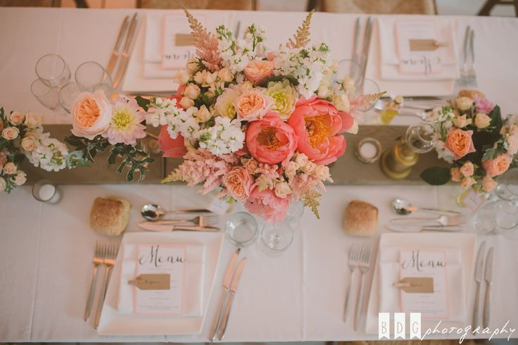 Coral centerpiece - Centre de table corail : Lily Paloma - Photographe : The Quirky