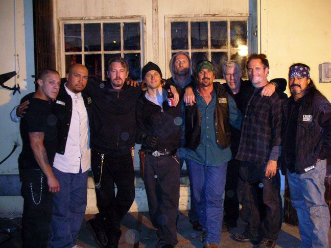 Juice In Group photos Sons of Anarchy | Norm Mora with the cast of Sons of Anarchy