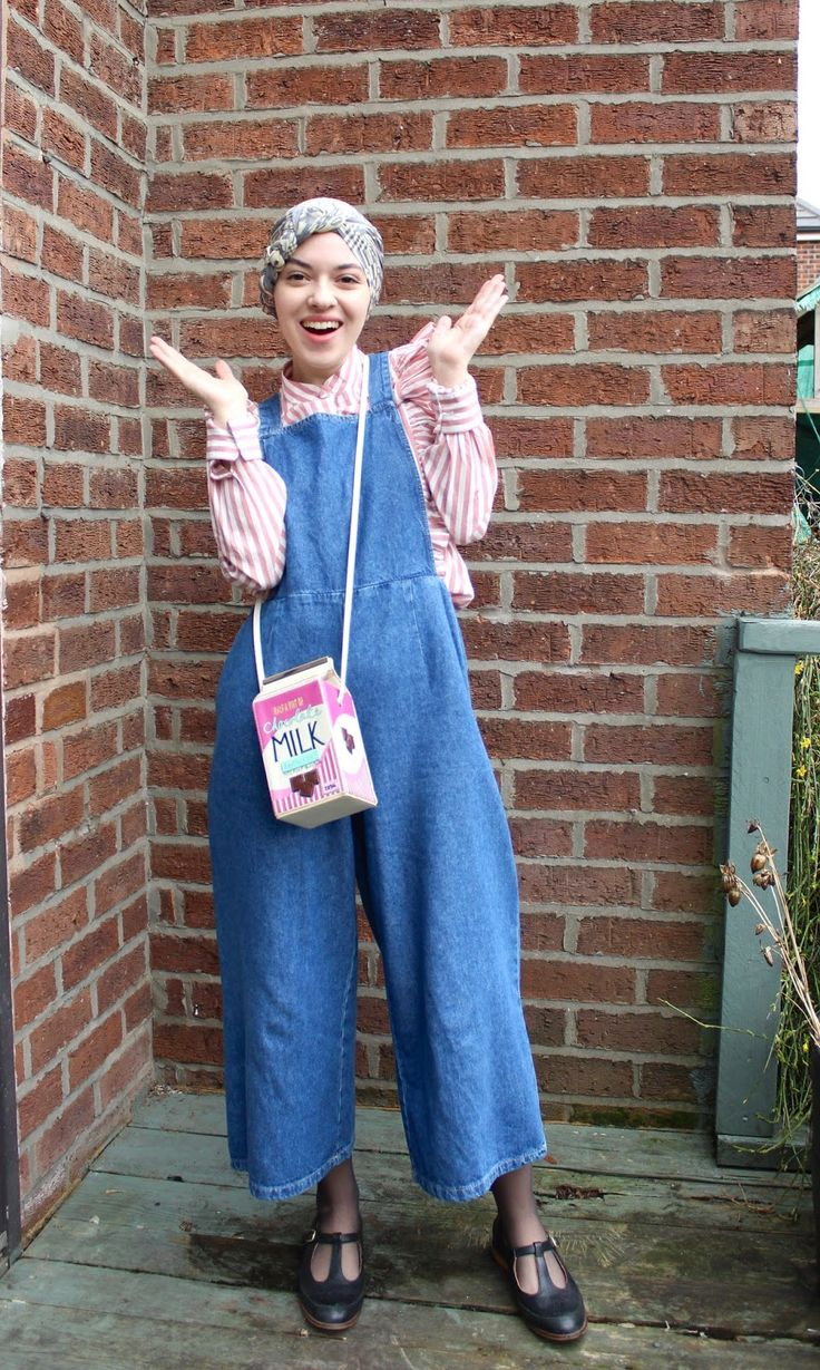 Vintagonista Vintage: Denim culotte dungarees, wide legged cropped overalls, candy cane striped ruffled blouse, vintage hijab style, vintage style, t bar shoes, novelty bag, milk carton bag, spring vintage outfit, turban hijab style