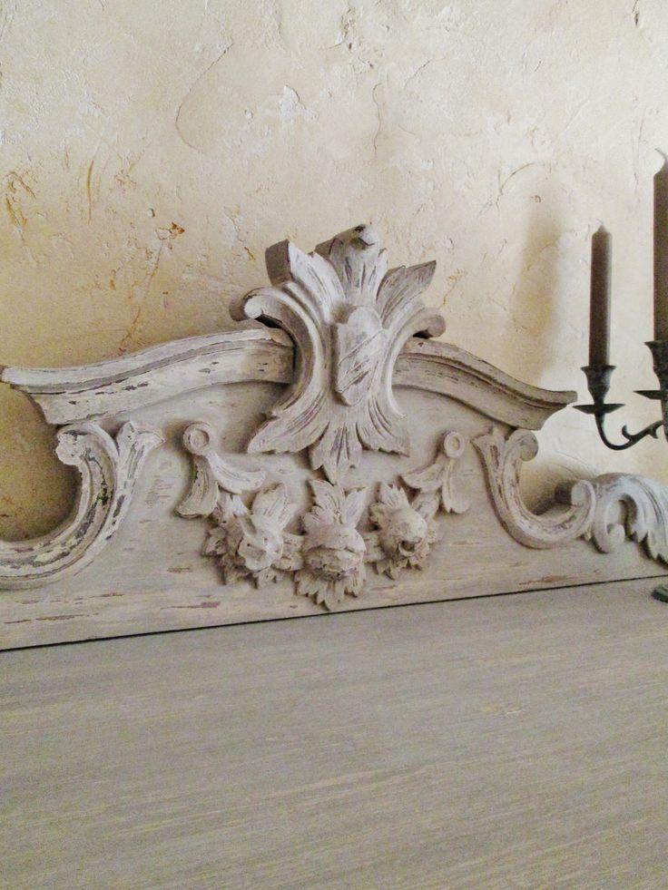meuble peint fronton