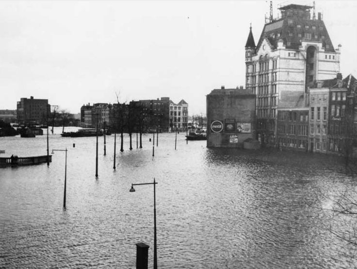 Rotterdam - Oude Haven, het Witte Huis en omgeving, 1953 Watersnoodramp