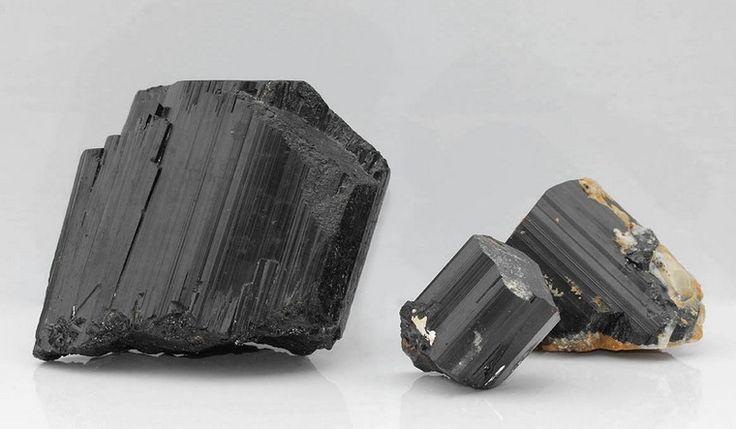 tourmaline noire brute cristaux énergie