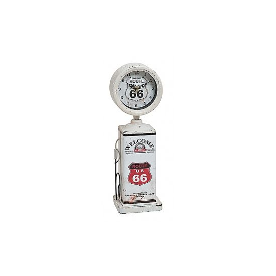 Deze klok van een benzinepomp van Route 66 is gemaakt van plastic en metaal. Afmeting: 12 x 7 x 34 cm. Werkt op 3 AA-batterijen, niet inbegrepen.