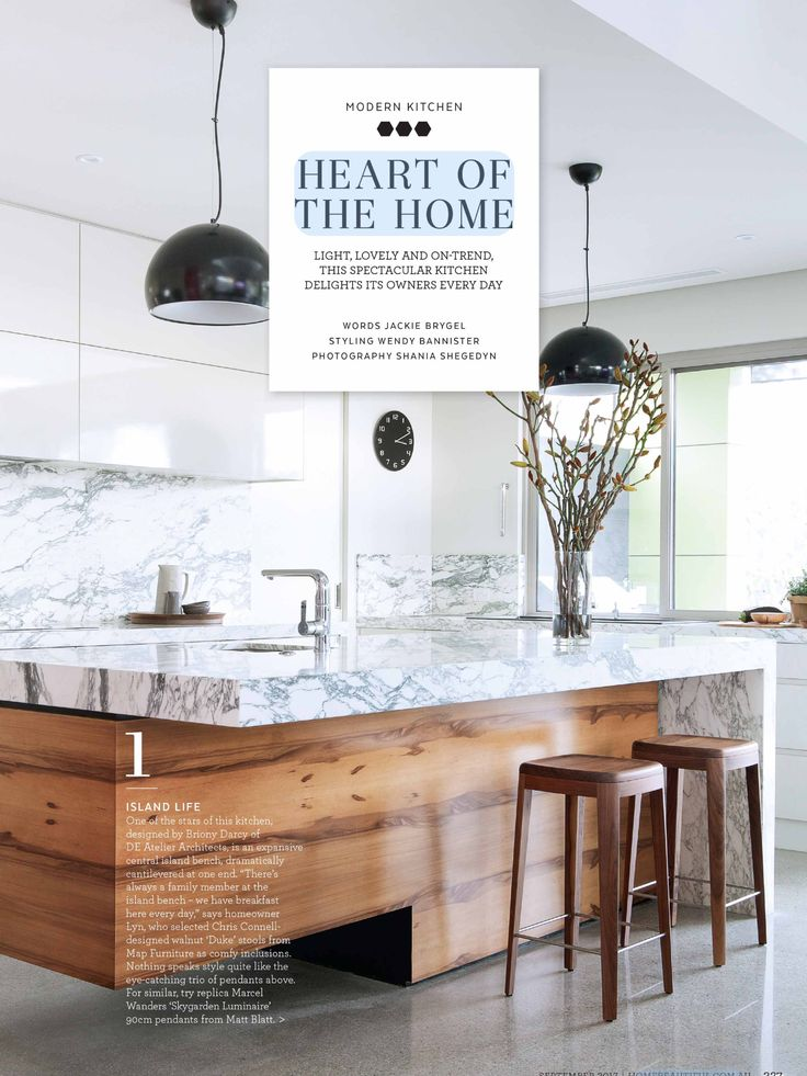 Stunning Arabescato Marble features in this beautiful kitchen designed by D.E.Atelier Architects, and seen in @homebeautiful . Joinery by Werribee Joinery and Cabinet Works.  #cdkstone #arabescatomarble #arabescato #marble #naturalstone #naturalbeauty #naturesmasterpiece