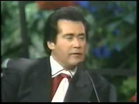 Wayne Newton Interview About Elvis  Powerful.... Thinkn of Elvis just makes me sad...