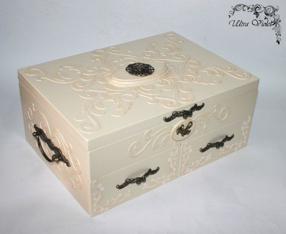Large jewelry box / jewelry box for jewelry and cosmetics (wooden box)