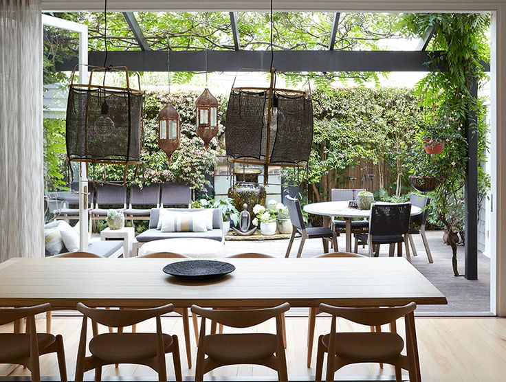 Contemporary casual dining room design by hare klein for Casual dining room ideas pinterest