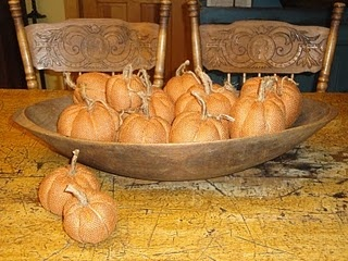 orange burlap pumpkins - made like a yo-yo.  How to....Kittredge Mercantile, Fabrics Pumpkin, Fall Decor, Autumn, Fall Ideas, Pumpkin Pumpkin, Orange Burlap, Burlap Pumpkin, Primitives Fallhalloween