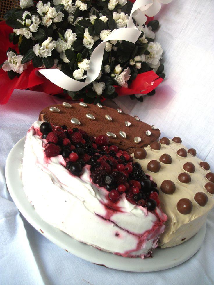 3 v 1 karamelová, nutellová, lesné plody torta
