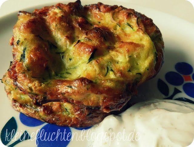 kleine fluchten: Heißgeliebte Zucchini-Küchlein