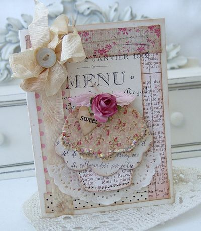 Shabby Vintage Cupcake Card...never thought of a shabby cupcake but it's fabulous.