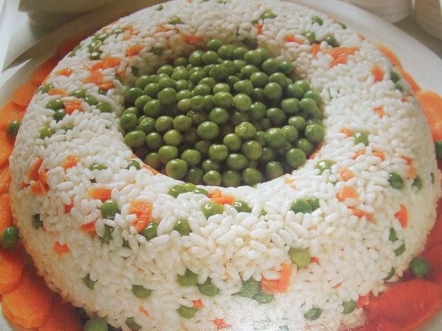 Pastel frío de arroz con calabaza y guisantes (apto para celíacos) Ver la receta http://www.mis-recetas.org/recetas/show/28703-pastel-frio-de-arroz-con-calabaza-y-guisantes
