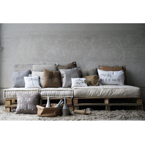 les 144 meilleures images du tableau petite cabane sur pinterest tenture murale tentures et. Black Bedroom Furniture Sets. Home Design Ideas