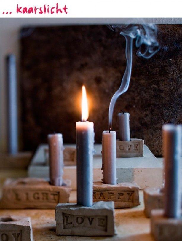 Heel leuk idee van VT wonen!! Kaarsen standaards van klei, leuk om zelf te maken.