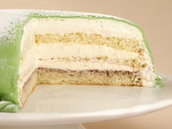 another favorite bakery treat- princess torte (princess cake)