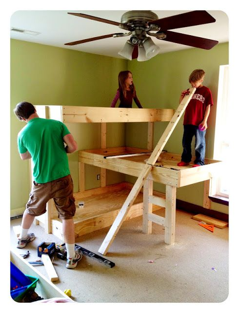 DIY triple bunk beds. Would be nice for a small home or grandparent's house for sleepovers!