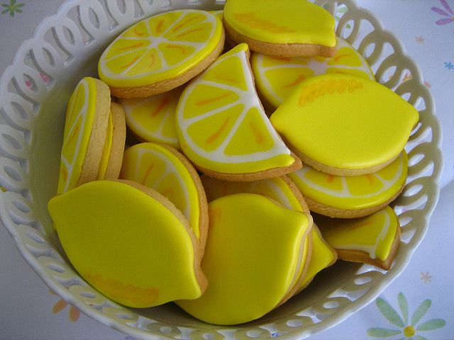 Lemon cookies! These would be so cute for a summer cookout!