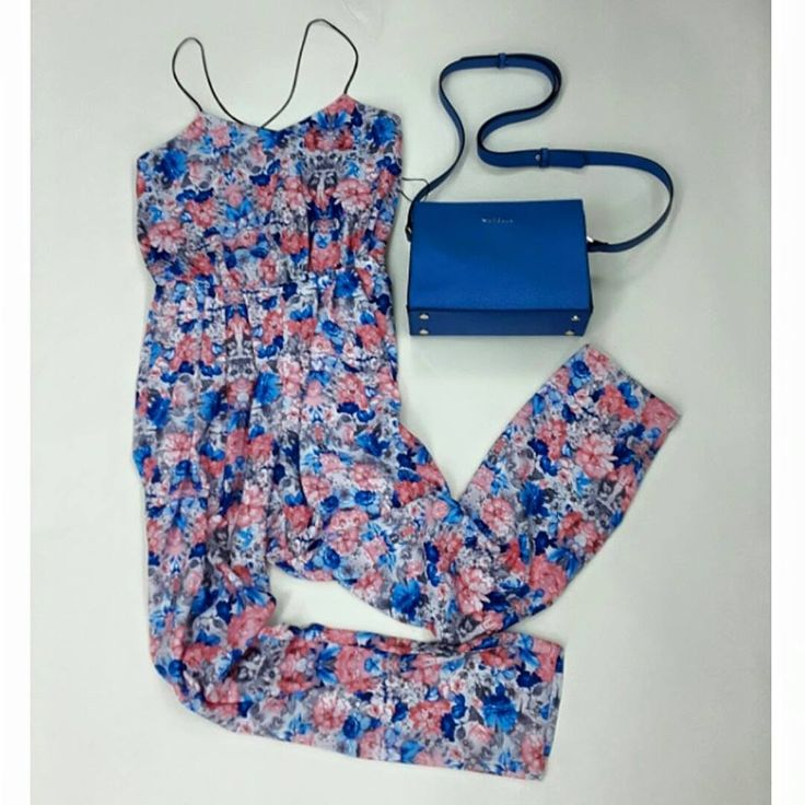 Floral mood | Antonella Boutique  #Floral #bodysuit #Marella #Bags #Summer #AntonellaBoutique