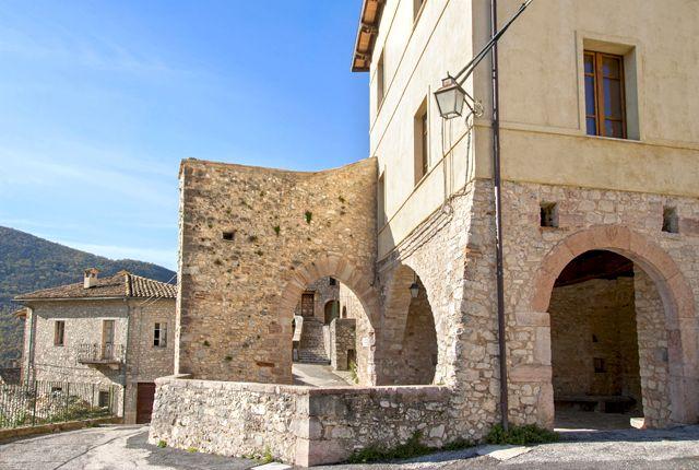 Scorcio interno del castello di Caso - Sant'Anatolia di Narco