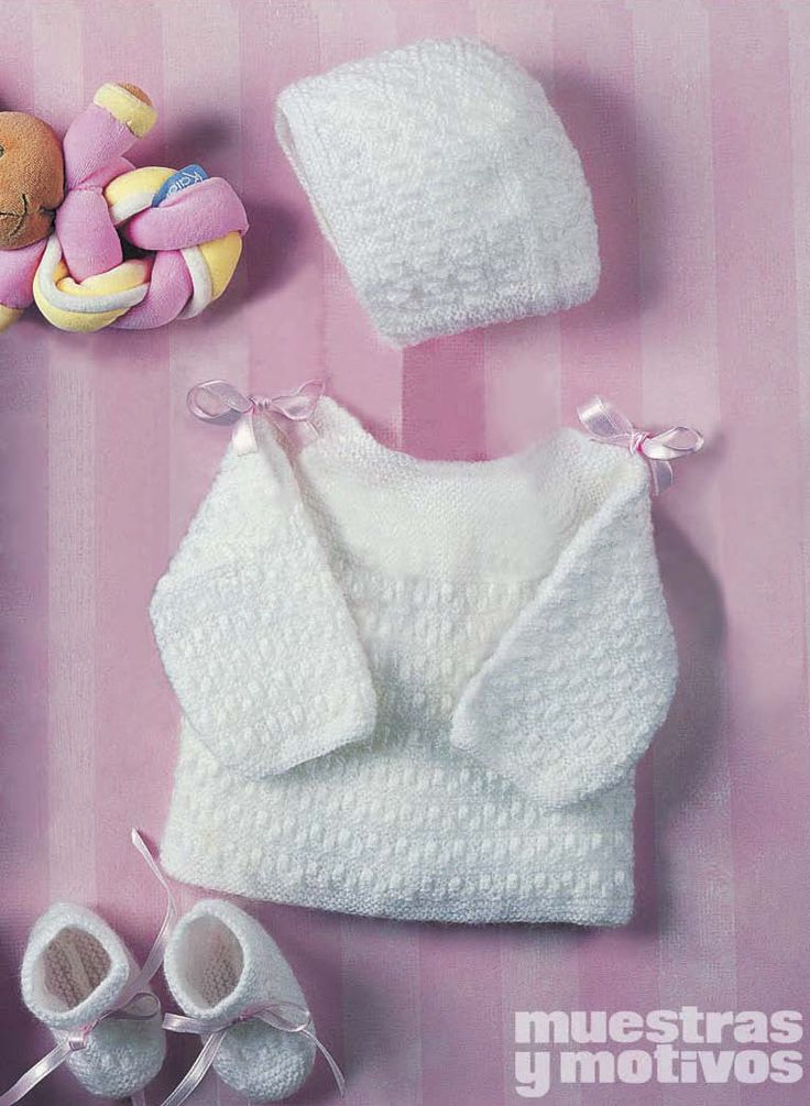 #baby #knitting Muestras y Motivos suggests you this beautiful outfit in tricot that includes a sweater, bootees and a bonnet with which you will dress the smallest in the household as a prince. Size 0-3 months. $3.14 http://www.e-muestrasymotivos.com/bebes-tricot/80-ebebes2404.html