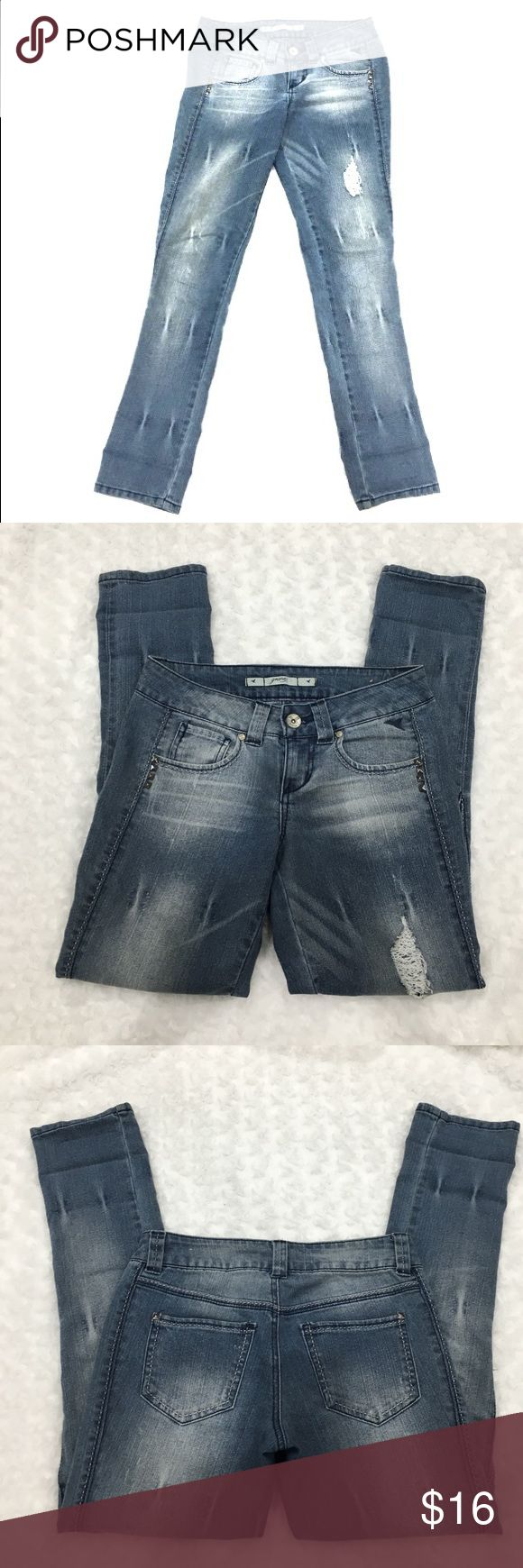 Jean Capris Gently worn. Bought from Macy's. From smoke free and pet free home. Grane Jeans