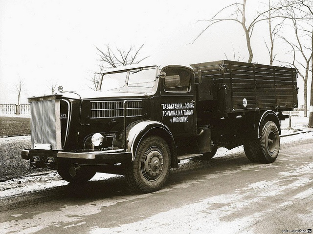 Skoda 706 Tractor-Trailer by kitchener.lord, via Flickr