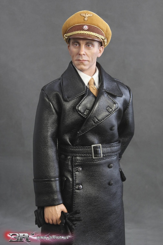 Highly detailed collectible figurines: Joseph Goebbels ...