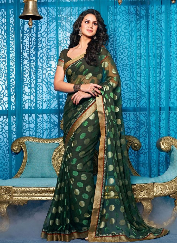 Ameliorate your charismatic look like the indian charm in this green brasso georgette party wear saree. This party wear saree prettified with lace work, patch border work and resham work. Comes with m...